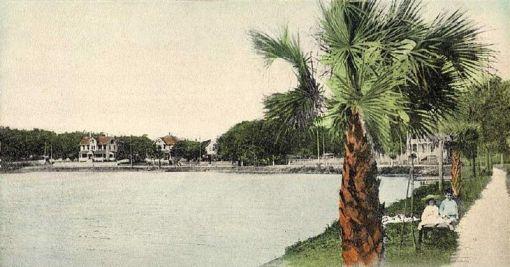 Lake_Lucerne,_Orlando,_FL