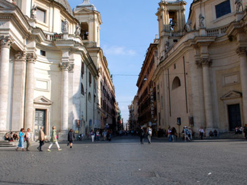 20 Via_del_Corso__Roma_in_M-20000000005851738-500x375